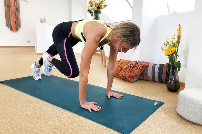 Bauch-Workout mit LeaLight: 15 starke Übungen für die geraden Bauchmuskeln